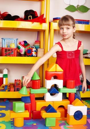 playroom: Ni�o jugar bloque y construcci�n en la sala de juego.