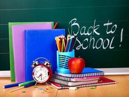 teaching crayons: Torna a materiale scolastico e pensione. Archivio Fotografico