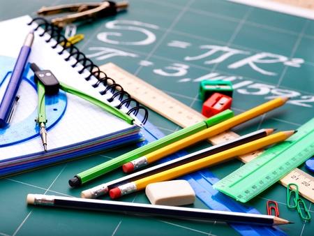 teaching crayons: Forniture per ufficio scuola compresa bordo.