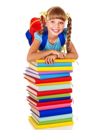 mochila: Colegiala con mochila con pila de libros. Aislado.