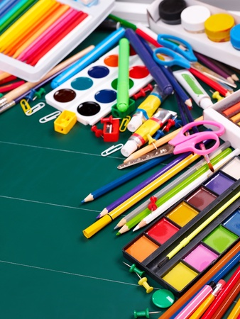 teaching crayons: Forniture d'ufficio scuola a bordo.