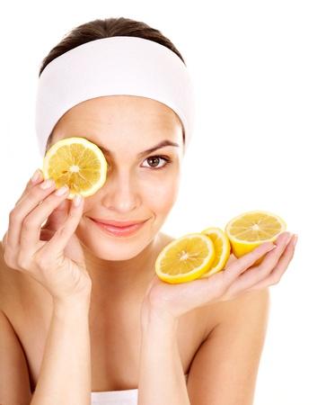 piel humana: M�scaras faciales naturales de frutas caseras. Aislado. Foto de archivo