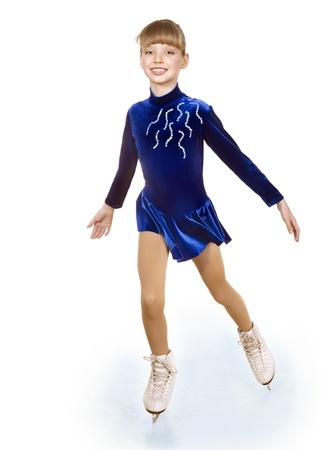 niño en patines: Niña feliz de patinaje. Aislado.
