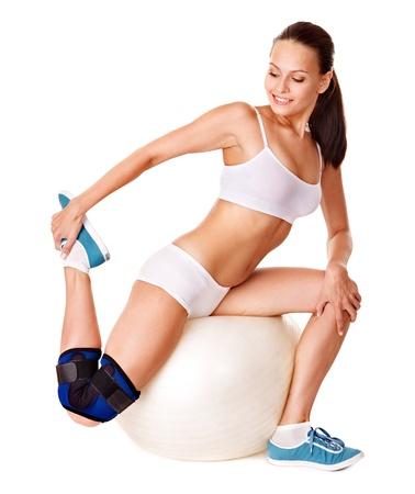 splint: Mujer con el apoyo de la rodilla. Aislado.