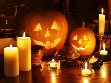 luz de velas: Linterna de calabaza de Halloween. Decoraci�n. Foto de archivo