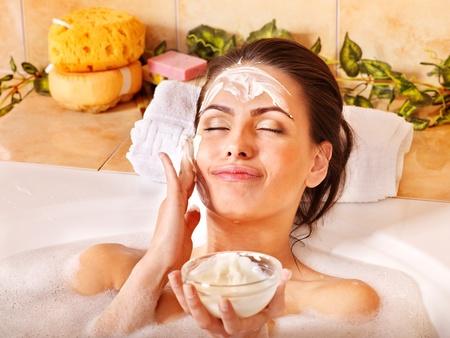 facial cream: Natural homemade  facial masks at home .