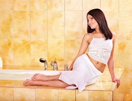 soap sud: Young woman take bubble  bath.