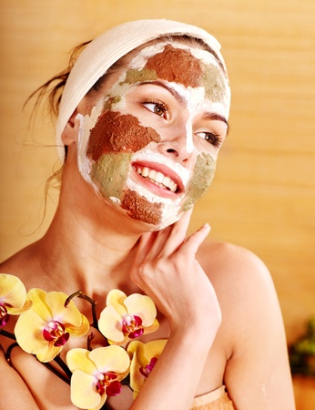 exfoliate: Natural homemade clay  facial masks at home .
