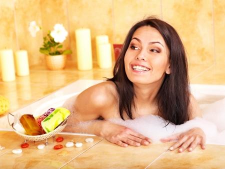 sud: Yong woman bathing in bathroom