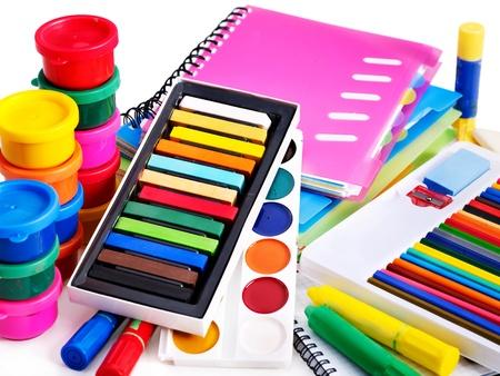 utiles escolares: Suministros grupo de la escuela y acuarela. Foto de archivo