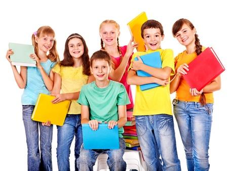 school teens: Grupo de ni�o de escuela adolescente con el libro. Aislado.