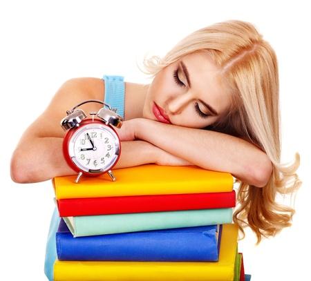 cansancio: El cansancio estudiante dormido en el libro. Aislado.