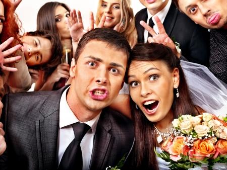 bröllop: Brud och brudgum i photobooth. Bröllop. Stockfoto