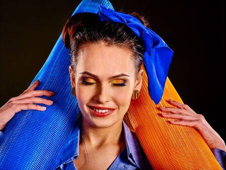 outils construction: Femme heureuse constructeur avec des outils de construction. Banque d'images