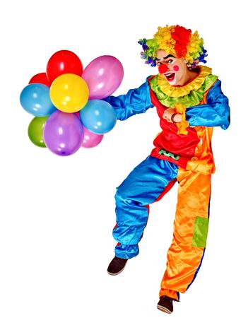 payaso: Feliz cumpleaños payaso sosteniendo un montón de globos. Aislado.