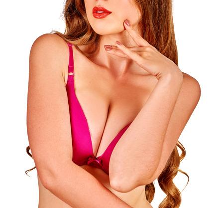 beaux seins: Portrait de jeune fille avec de beaux seins et les mains. Isolé.