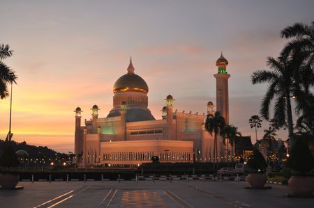 Sultan Omar Ali Saifuddin Mosque at sunset, Brunei  Stock Photo