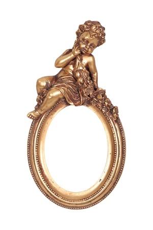 baroque: Marco de oro barroco oval con Cupido aislado en blanco.