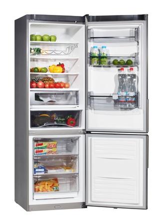 Dos puertas frigorífico de acero inoxidable aislado en blanco