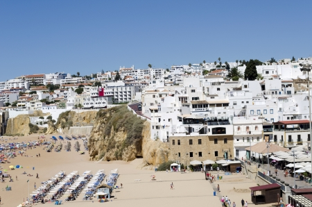 The beach in Albufeira, Algarve, Portugal  Stock Photo - 21843967