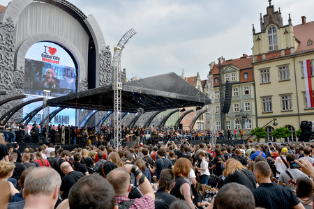 The fans of guitar music will gather together to play  Hey Joe  at the  Annual Thanks Jimi Guitar Festival , they beat the Guinness World Record in Wroclaw   During beaten the Guinness World Record sang Eric Burdon of The Animals