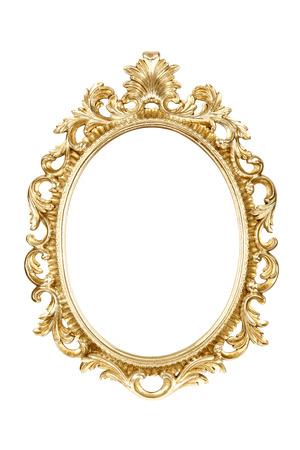 ovalo: Marco oval del oro aislado con el camino de recortes. Foto de archivo