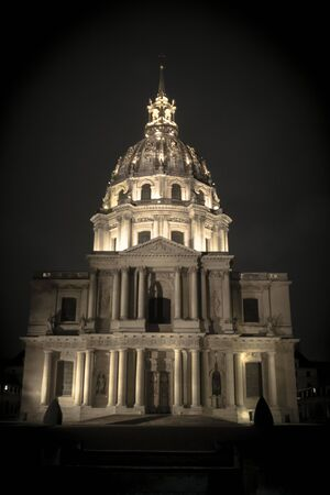 muse: paris, disabled, night, muse, France, Louis XIV, Weapon, the invalid chapel Stock Photo