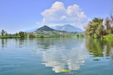 paisajes: Lago de Posta Fibreno, Frosinone Foto de archivo