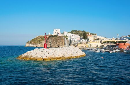 pontine: Port of Ponza