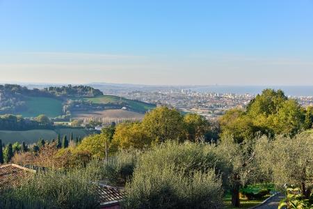 Landschap van Pesaro en de Adriatische kust Stockfoto