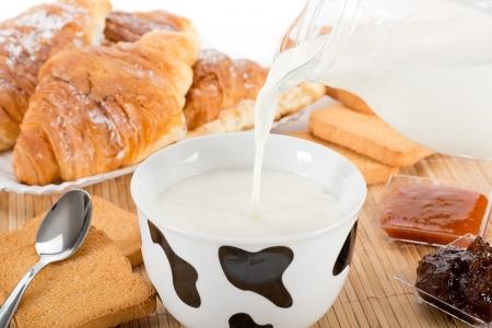 gratings: milk