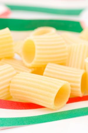 maccheroni: maccheroni, italian pasta