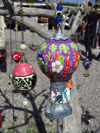 Purple Turkish Ottoman Style Hot Air Balloon Figure From Cappadocia Stockfoto