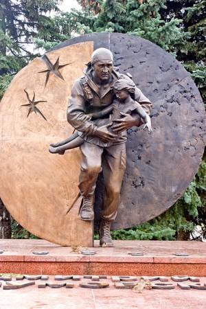 hostages: Monument to Dmitry Razumovskomu to killed at liberation of hostages in Beslan Stock Photo