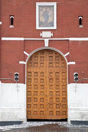 the kremlin: Main gate of Kremlin