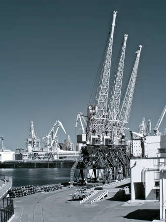 Landscape of marine port is in city Odesa. Infra-red photo 版權商用圖片 - 12305773