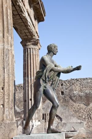 pompeii: Pompeii  Statue of Apollo