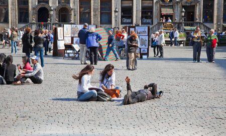 sidewalk talk: On the streets of Brussels Editorial