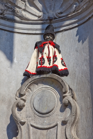 pissing: Manneken Pis  is in the suit of the Hungarian hussar