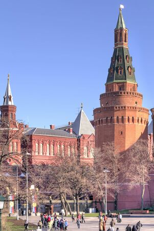 sights of moscow: RUSSIA, MOSCOW - November 18.2013: Kremlin. Arsenal Tower and Alexander Garden