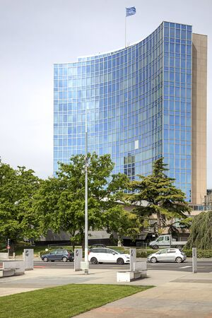 united nations: SUIZA, GINEBRA - mayo 06,2014: Edificio de oficinas de la oficina de representación de las Naciones Unidas en Ginebra Editorial