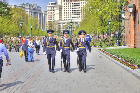 sightseers: MOSCOW, RUSSIA - May 02.2016: Change of Guard of Honor at the Tomb of the Unknown Soldier. Alexander Garden