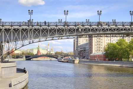 sights of moscow: MOSCOW, RUSSIA - May 02.2016: Beautiful delicate Patriarshy Bridge across the Moskva River
