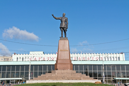 felix: SARATOV, RUSSIA - September 09.2016: Monument to the famous Soviet Chekist Felix Dzerzhinsky next to the city railway station