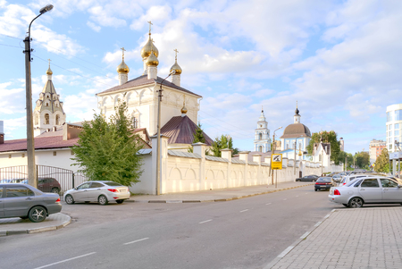 arrepentimiento: BELGOROD, RUSSIA - August 31.2016: The territory of the Marfo-Mariinsky Convent. Pokrovsky Church Editorial