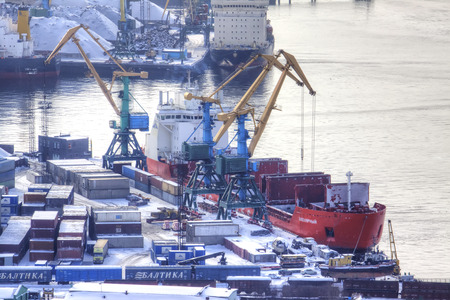 MURMANSK, RUSSIA - March 25.2009: Sea boats and tugboats moored in the city cargo port in the Kola Bay of the Barents Sea Éditoriale