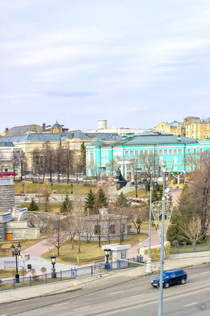 The territory of the Park of the Cathedral of Christ the Savior on Prechistenskaya Embankment Standard-Bild