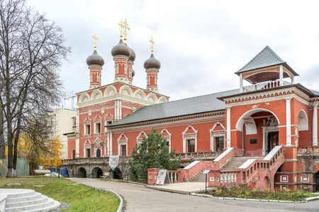 Vysokopetrovsky Monastery. The territory of the Orthodox Monastery in Moscow on Petrovka Street 에디토리얼