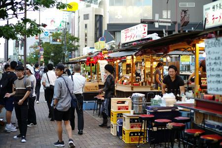 FUKUOKA, JAPAN - August 30,2016 : fukuoka's famous food stalls (yatai) located along the river on Nakasu Island Archivio Fotografico - 123677947