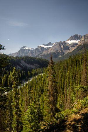 Peaceful view of the mountain around Rocky Mountains, Banff National Park, Alberta, Canada. Banco de Imagens - 128565500